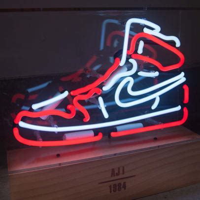 These Neon Lights Pay Tribute to the Air Jordan 1