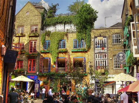 File:Neal's Yard Remedies, Covent Garden